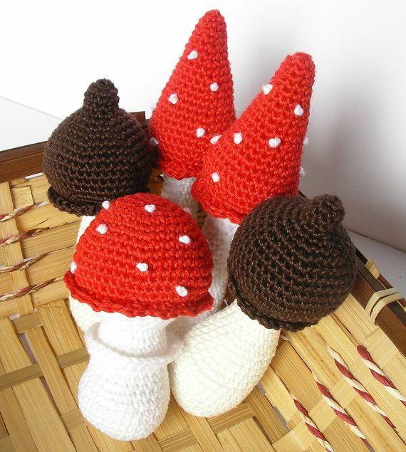 Amigurumi Mushroom Crochet Patterns : 1000+ images about amigurumi mushrooms & toadstools on ...