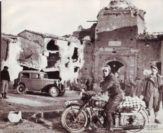 BELCHITE TRAS EL BOMBARDEO - GUERRA CIVIL -  30 MARZO 1938. (Postales - España - Aragón Antigua (hasta 1939)) Reconquista nacionales
