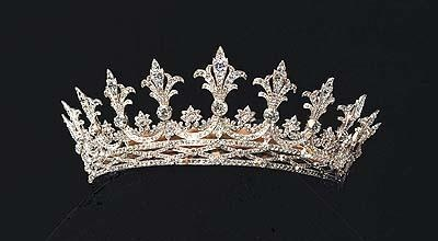 Alice of Hesse-Darmstadt's tiara was a gift from her mother, Queen Victoria of England.