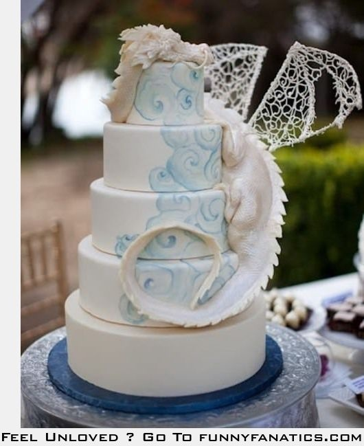 Best cake ever - @Jayme Buzard  You know...the ability to do cakes like this is why I would really love to get into cakes.