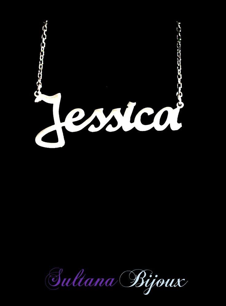 Colier din argint 925 personalizat cu numele Jessica. Realizam la comanda cu numele/cuvantul ales de d-voastra. Lungime lant: 40 - 45 cm Lantisor reglabil Numele se scrie cu litere caligrafice (Scris de mana) *La orice colier care depaseste 7 caractere se taxeaza 5 lei / litera.