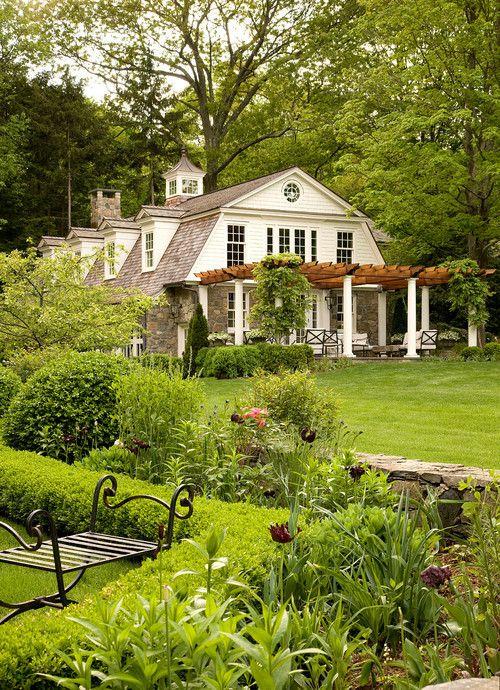 "georgianadesign: ""New England carriage house. David Scott Parker Architects, Southport, CT. Durston Saylor photo. """