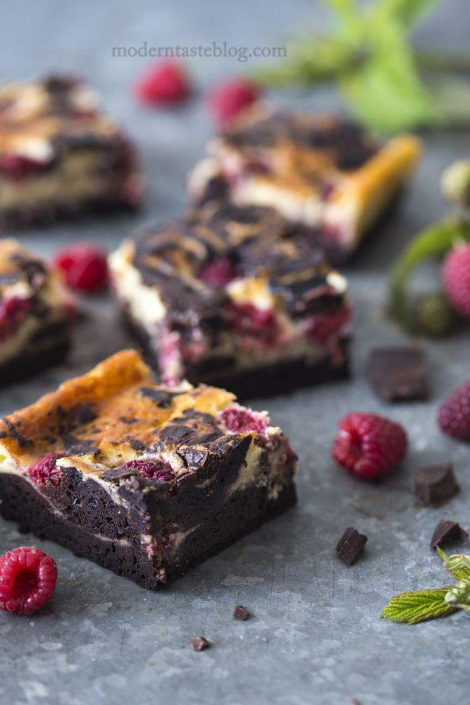 sernikobrownies z malinami; brownie; brownies; ciasto czekoladowe; ciasto z malinami; z czekoladą; ciasto serowe