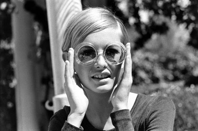 Twiggy in California during her first visit to the U.S., 1967.
