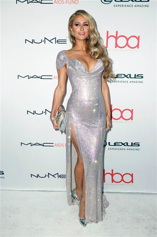 Paris Hilton style - Eva Longoria waves at fans in New York City, plus more celeb pics for Feb. 20-24