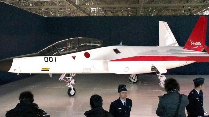 Foto-foto terbaru pesawat tempur generasi kelima Jepang, Advanced Technology Demonstrator – X (ATD-X) telah dirilis diinternet oleh Sankei Shimbun. Prototipe pertama dari pesawat tempur siluman buatan Jepang  F-3 yang telah dipamerkan hari ini, 28 Januari.
