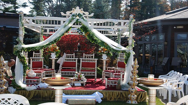 Marriage is one of the oldest institutions in the world.You might require a good service provider that would help to decorate the best wedding stage for you.
