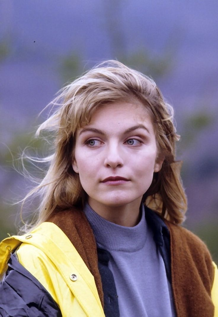 blue-voids:  Sheryl Lee on the set of Twin Peaks