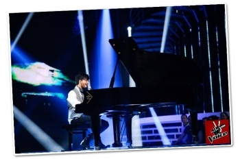 TV Show - The Voice in France, pianist player & singer