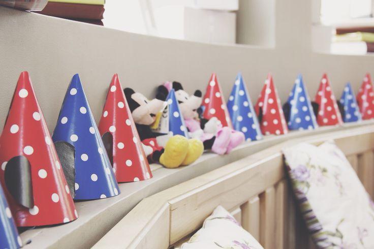 Колпаки с ушками для дня рождения в стиле Микки Мауса