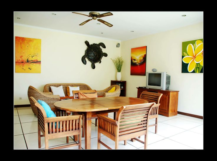 Seminyak Bali Private Villa Krisna located in Seminyak close by great restaurants, spas, bars, boutiques and long sandy beaches.  This villa is beautifully decorated and includes pieces of local tasteful art.  The furnishing are comfortable and practical a perfect Seminyak Villa for an ideal holiday here in Bali.