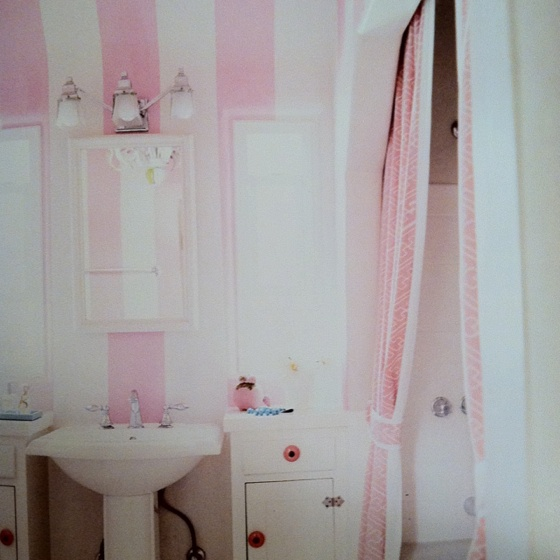 17 best images about bathroom ideas on pinterest pink for Pink and brown bathroom ideas