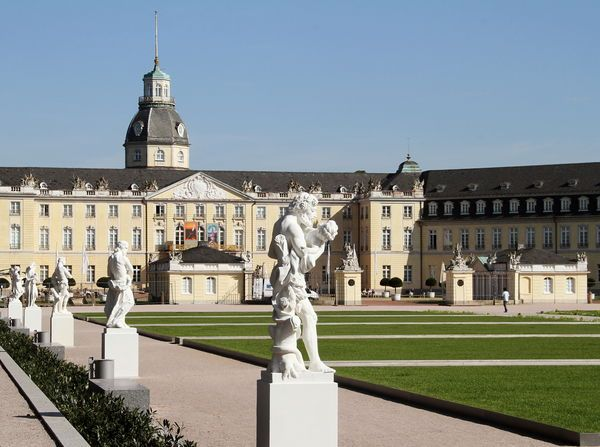 Check out the best tips for a city trip to #Karlsruhe >>> www.cityzapper.com/nl/europa/karlsruhe