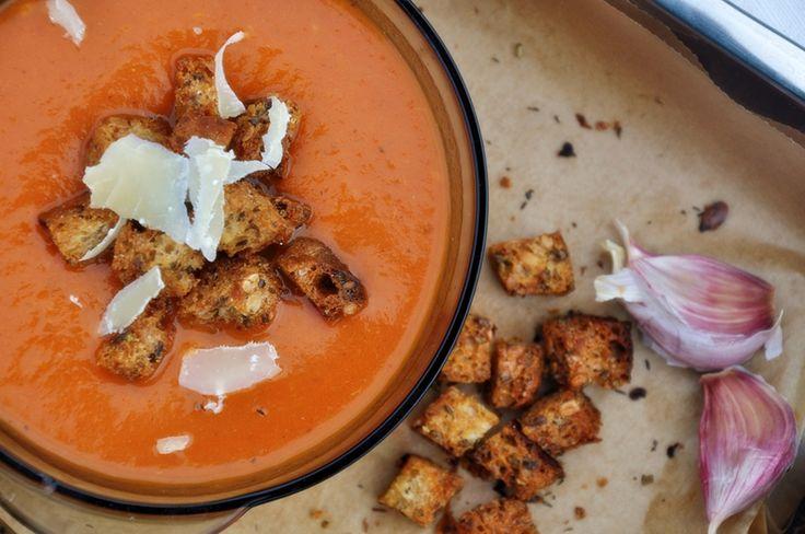 Zupa krem z pomidorów. Cały przepis: http://majlaa.pl/najlepszy-krem-z-pomidorow/