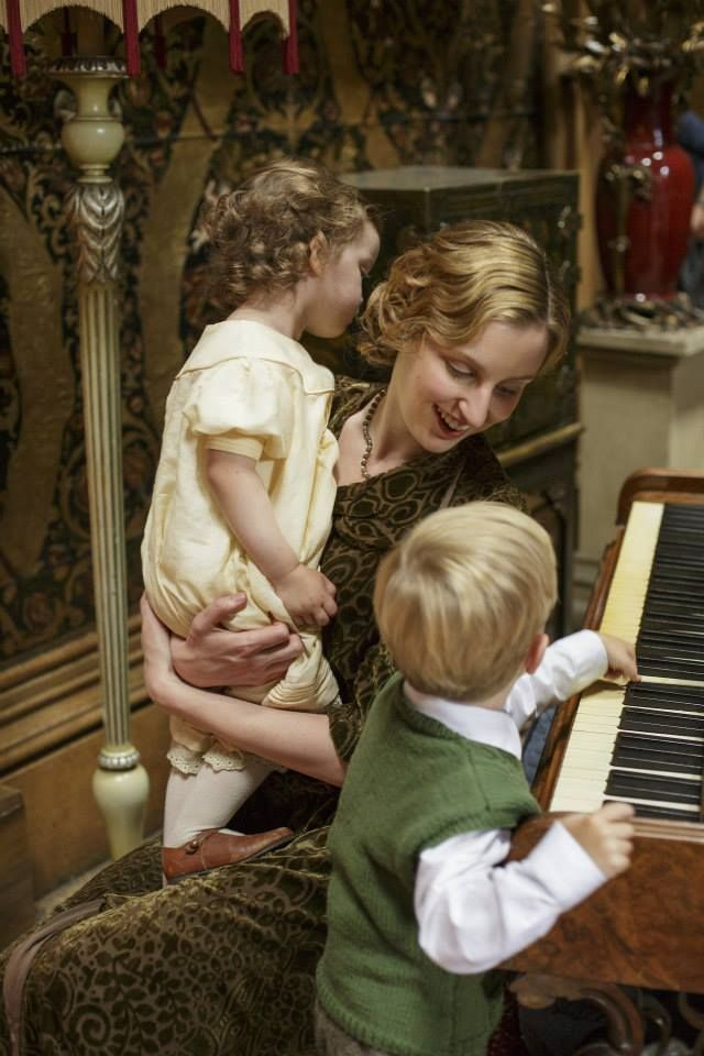 Downton Abbey Christmas special season 5 - Lady Edith looking lovely and peaceful with the children