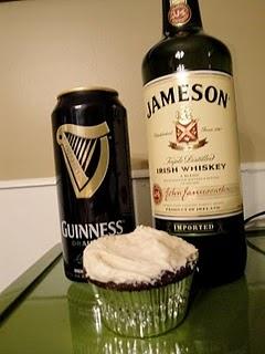 Irish Car Bomb cupcakes: Bombs Cupcakes Y, Cupcakes Obsession, Bombs Cupcakes Offensive, Cupcakes Rosa-Choqu
