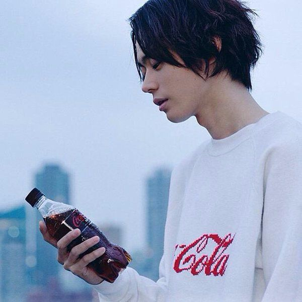 Hiro was a boy who didn't just blended into the crowd, his beauty was quite extraordinary. With his perfect milky skin and long jet black hair, which he recently dyed the ends red.