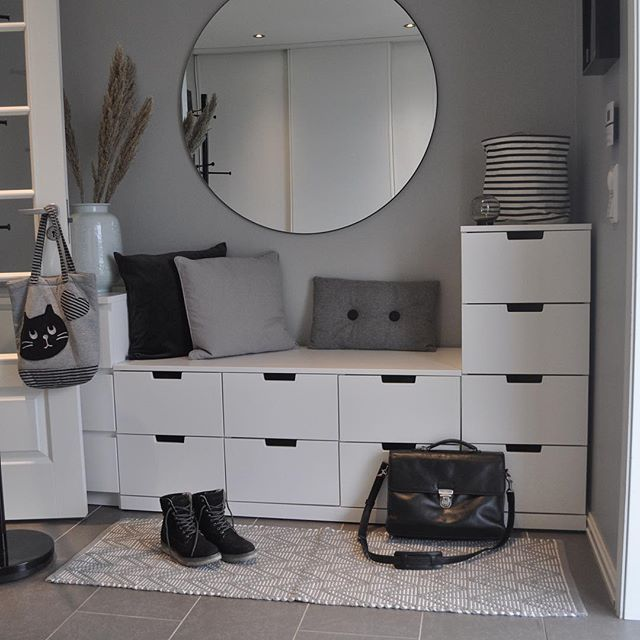 Lunes Superado Y Nos Plantamos En La Mitad De Esta Mini Semana Que Bien Ganas De Puente Hoy Interior Design Living Room Modern Bedroom Design Decor