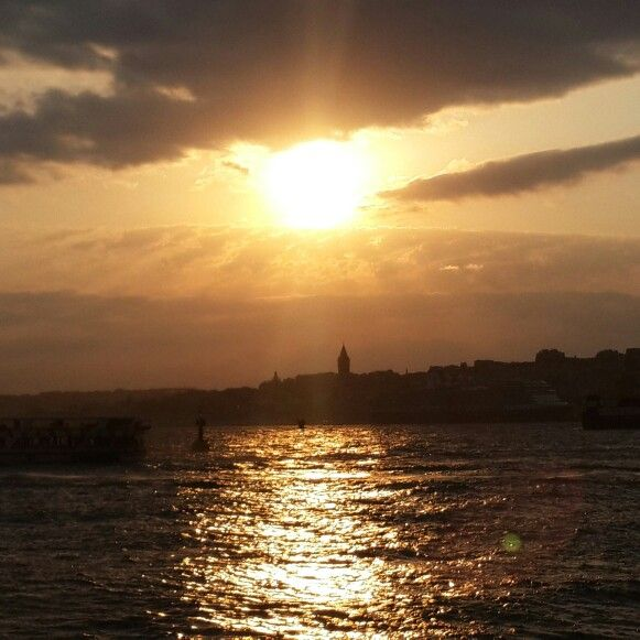 Istanbul Boğazı gün batımı