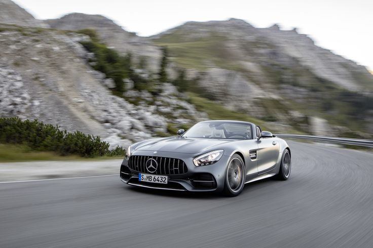 Mercedes-AMG GT Roadster: ontharing in 3,7 seconden - http://www.topgear.nl/autonieuws/mercedes-amg-gt-roadster/