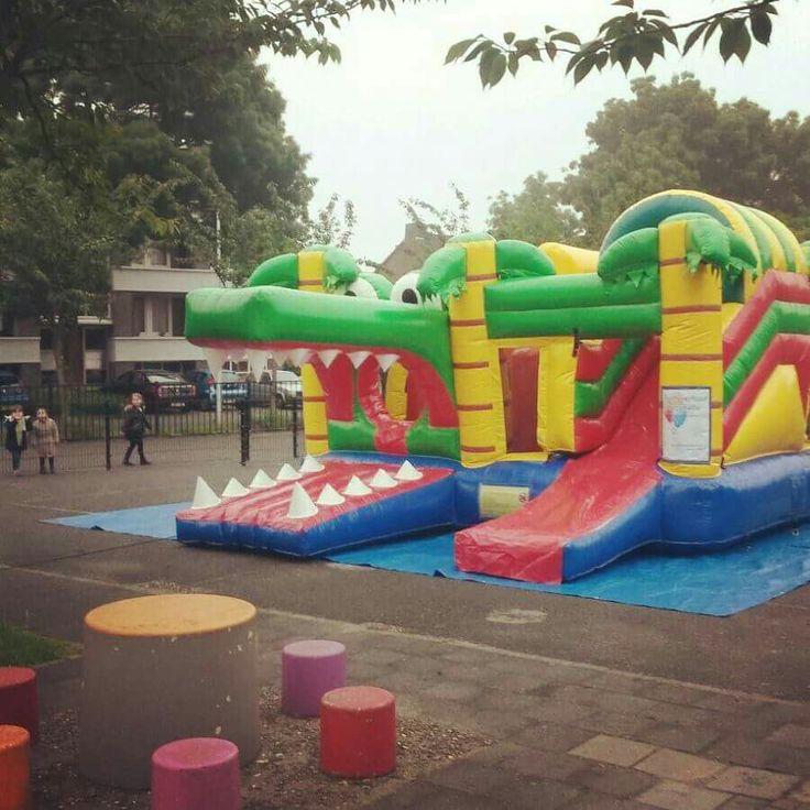Grote springkussen Multiplay krokodil voor de kinderen  http://www.partyverhuurpicobello.nl/producten/springkussens/10-krokodil.html