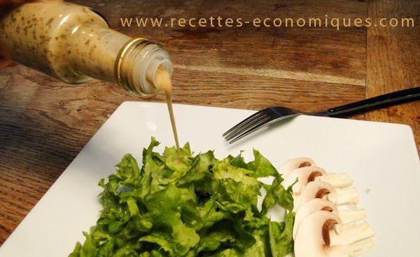 Recette de la vinaigrette allégée au thermomix, une sauce de salade pour 1pp. Un gout extra, avec des échalotes, huile d'olive et maizena. Idéal pour régime.