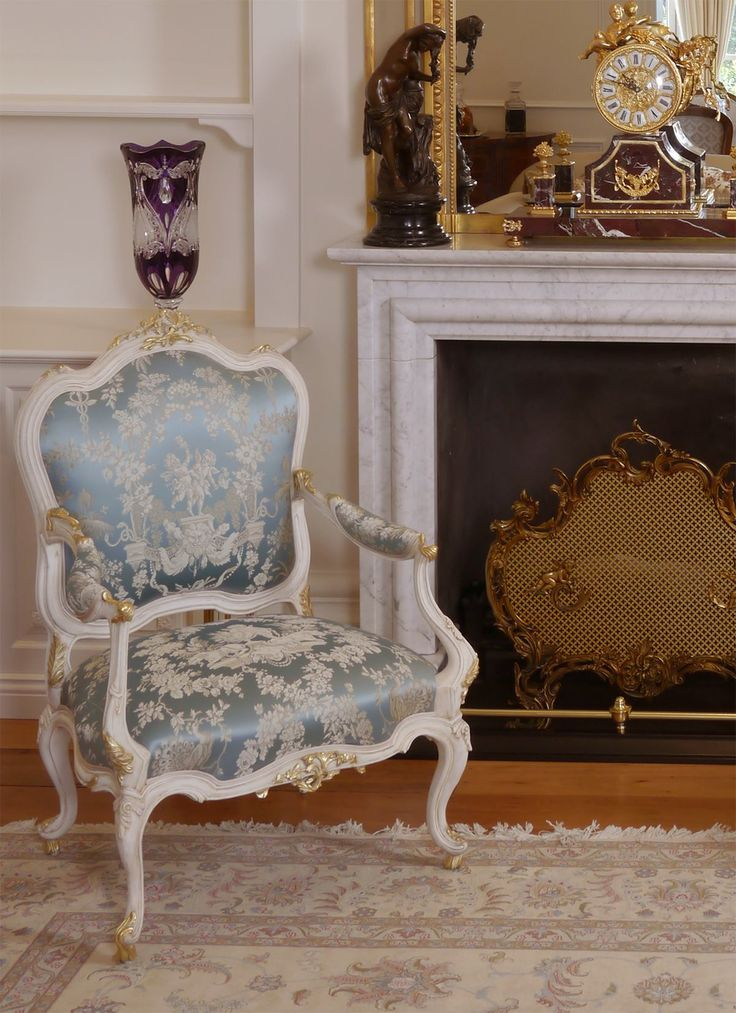 Such Attention To Detail In This Formal French Lounge French Provincial Sty
