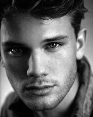 Jeremy Irvine #WarHorse.actor Birthday	January 1, 1990  Birth Sign	Capricorn