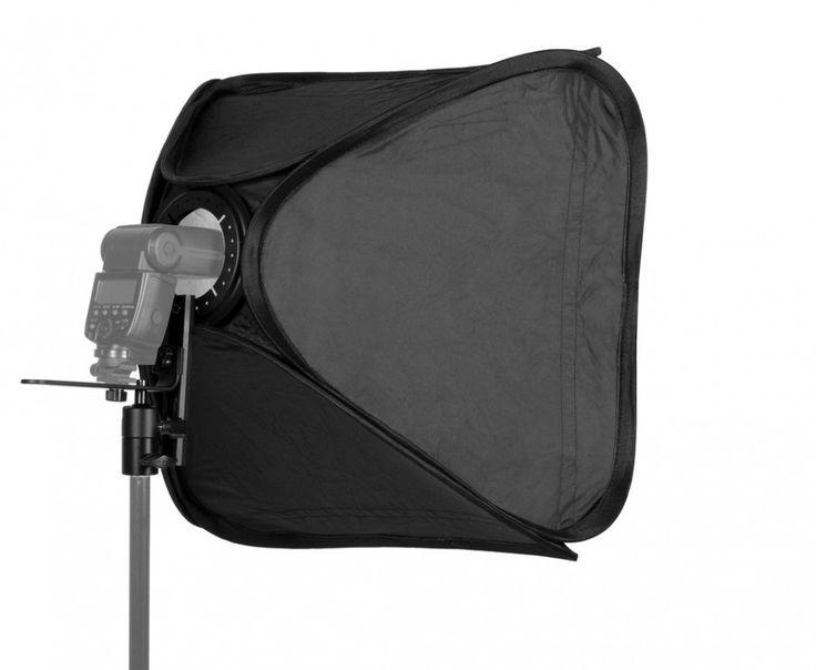 Софтбокс Easy Box 60х60 см с двойным рассеивателем. Софтбокс позволяет получать мягкий направленный свет большой площади, имитирующий наиболее естественное для глаз освещение – солнечный свет из окна. Модель превосходно подходит для создания заполняющего света при портретной, интерьерной или предметной съемке. Софт-бокс выполнен по технологии twist-flex, то есть может складываться до практически плоского положения и быстро упаковываться в небольшую сумку. Вес:1190 г