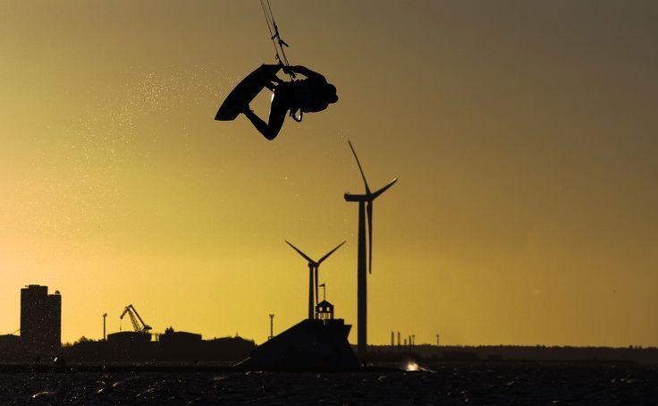 Surfing @ Nallikari Beach in Oulu, Finland