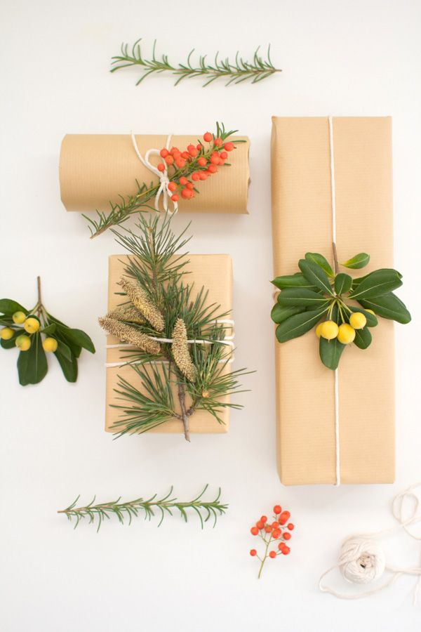 Natürliche Dokoration auf Verpackungen - so ein einfach und so hübsch  DIY Botanical Wrapping Paper
