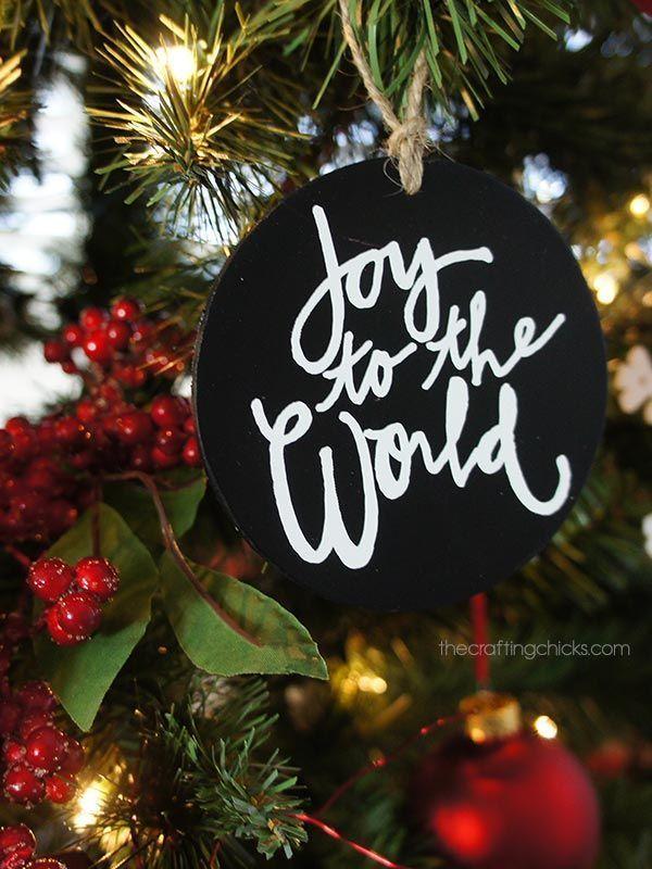DIY Handprinted Chalkboard Christmas Ornament Hack - free download #diychristmas...