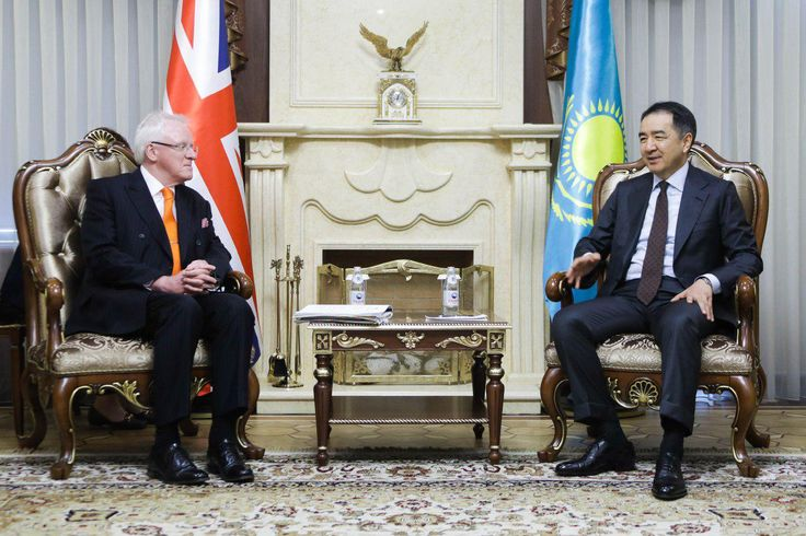 Bakytzhan Sagintayev meets with the Lord Mayor of London Andrew Parmley  Today in Ukimet Uyi the Prime Minister of the Republic of Kazakhstan Bakytzhan Sagintayev met with the Lord Mayor of the City of London Andrew Parmley.  http://s.pm.kz/m5M6