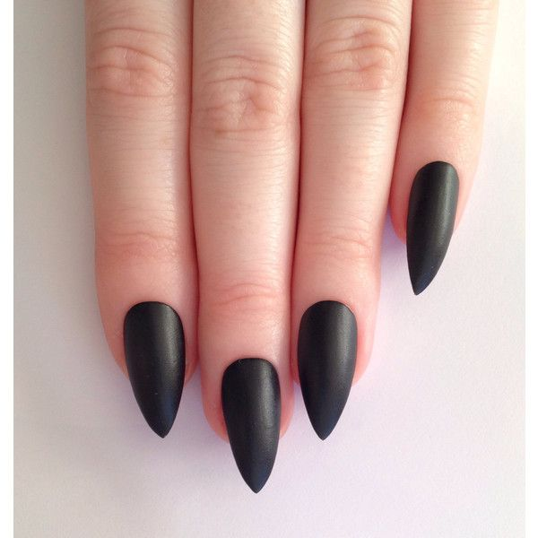 Matte Black Stiletto Nägel, Nail Designs, Nail Art, Nägel, Stiletto … (€ 15) – Goth Soul