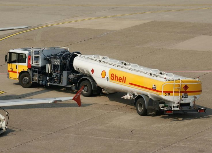 Shell Aviation Fuel Truck, EDDL-DUS, Düsseldorf, 29.04.2011
