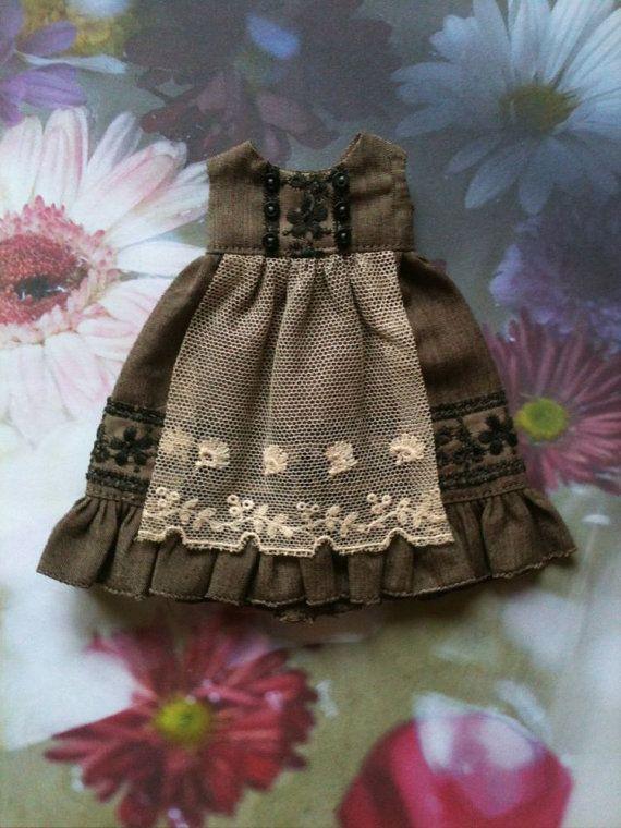Peat Apron dress for Blythe by moshimoshistudio on Etsy