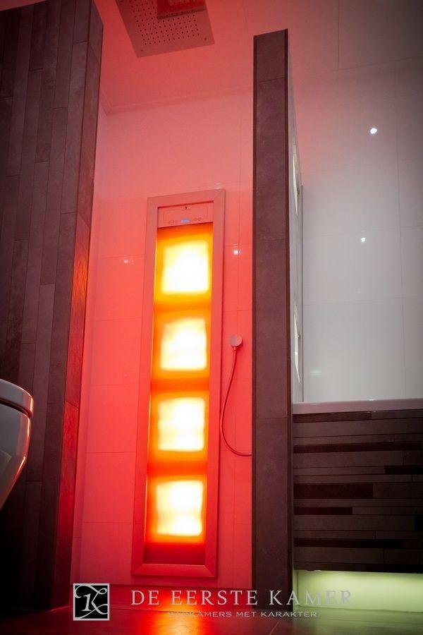 (De Eerste Kamer) Heerlijke warmte van de Sunshower tijdens het douchen! Extra lekker als het koud is buiten. Meer foto's van onze badkamers vindt u op www.eerstekamerbadkamers.nl