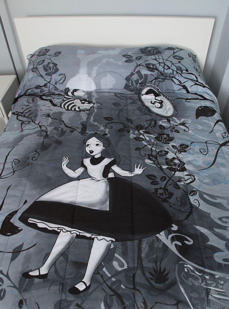 Disney Alice In Wonderland Black & White Full/Queen Comforter, , alternate