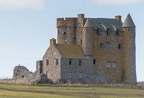 Inchdrewer Castle, Banff, Aberdeenshire, Scotland - www.castlesandmanorhouses.com