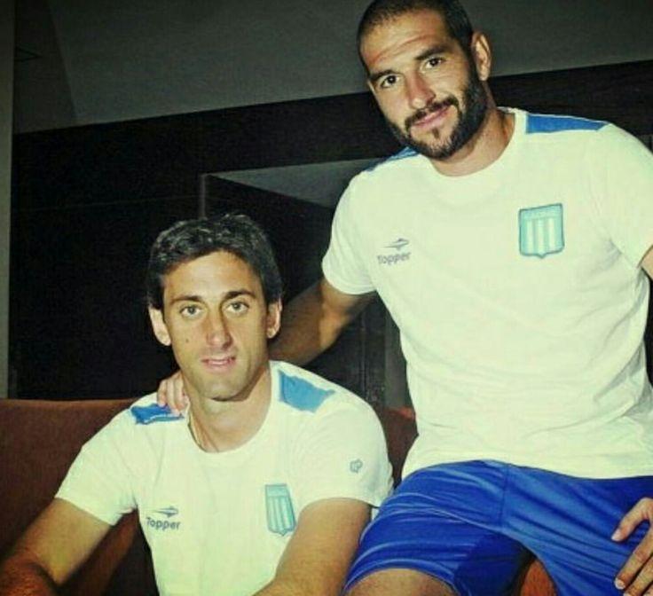 Ídolos Milito y Lisandro López