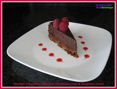 homeculinaryclasse: Flourless Chocolate Cake with Macaroon Crust http://homeculinaryclasse.blogspot.com