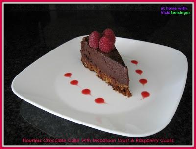 homeculinaryclasse: Flourless Chocolate Cake with Macaroon Crust http://homeculinaryclasse.blogspot.com