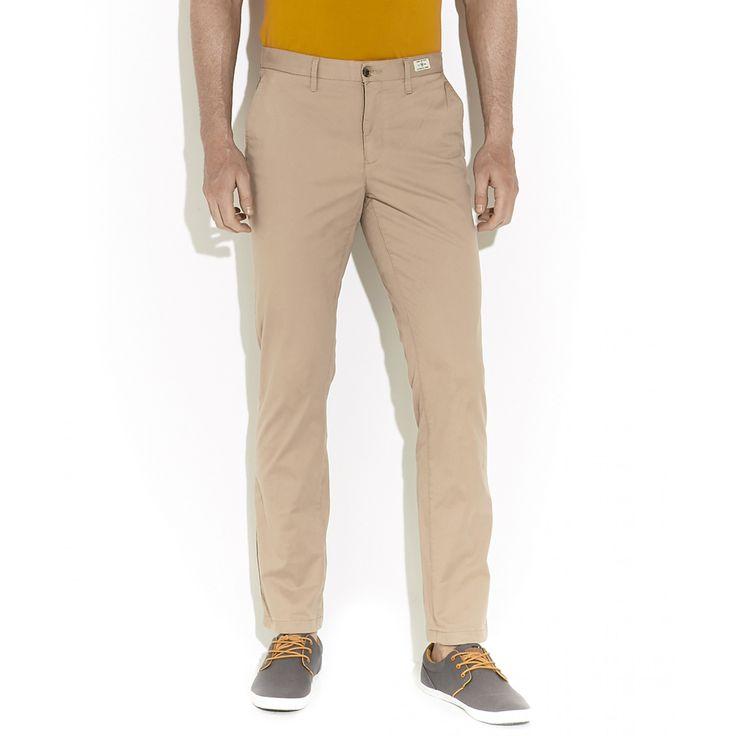 Pantalón Tommy Hilfiger tipo chino de corte Recto con bragueta de cierre cinco bolsillos y logotipo de la marca bordado.