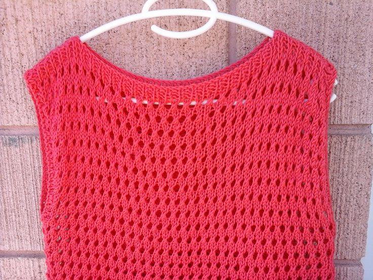 Colocar 74 pontos, com um fio na agulha para tricot nº6 e tricotar 3cm do ponto 1/1 (1tr, 1m). A seguir tricotar 30 cm do ponto...