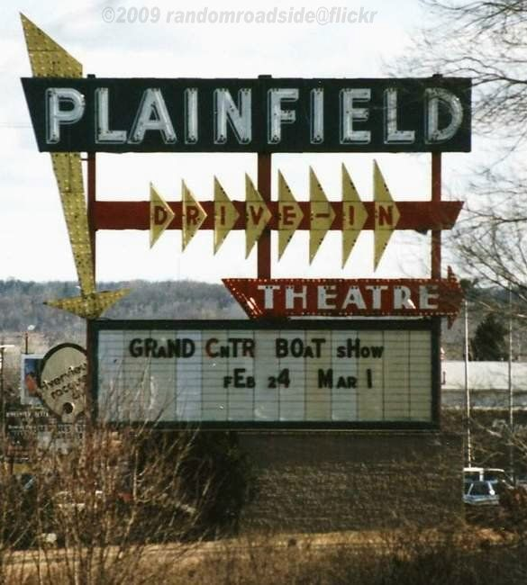 Plainfield Drive-In Theater, 4900 Plainfield Ave NE - March, 1988