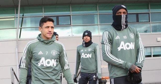 A number of Manchester United players are reportedly unhappy with the deal Alexis Sanchez got after moving from Arsenal last week.  Sanchez arrived Old Trafford after a lengthy transfer saga and put pen to paper on a deal worth around 500000-a-week.  It makes him the best-paid player at United and the fourth-highest paid player on the planet behind Lionel Messi Neymar and Cristiano Ronaldo.  Don Balon reports that this is at the epicentre of clashes in the dressing room.  Paul Pogba Zlatan…