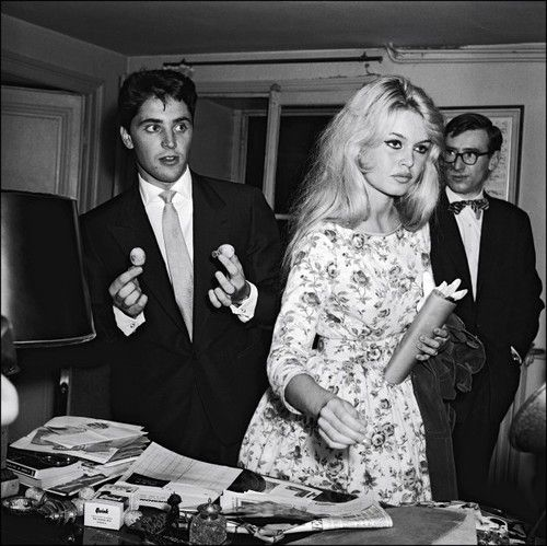 Brigitte Bardot & Sacha Distel (love her dress!) One of my absolute favorite BB sets. That flowered dress is so simple and chic! And her loosely set hair is simply gorgeous.