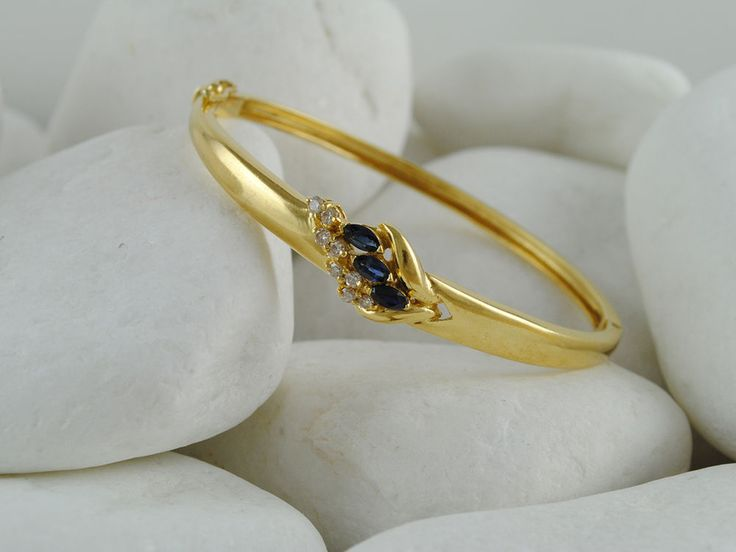 Estate 18K Solid Gold Sapphire & Diamond Decorated Flower Bracelet