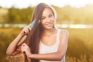 .S.O.S.: 5 simple Hausmittel gegen fettige Haare > Kleine Zeitung