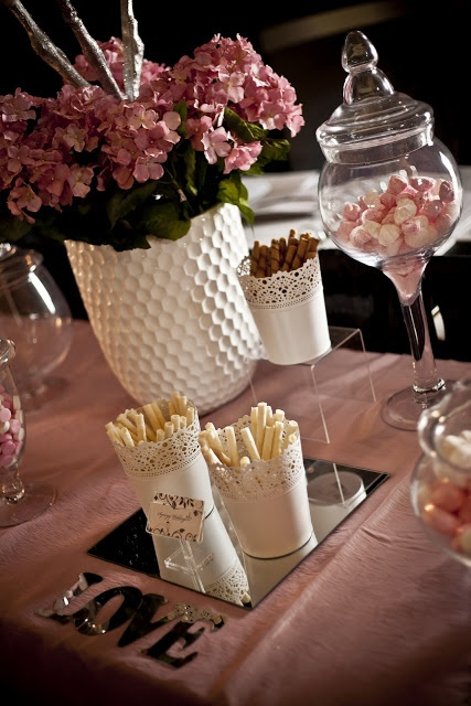 LOVE LOVE LOVE these white Ikea dishes to put Piroulines in at a Candy Bar. Yum!